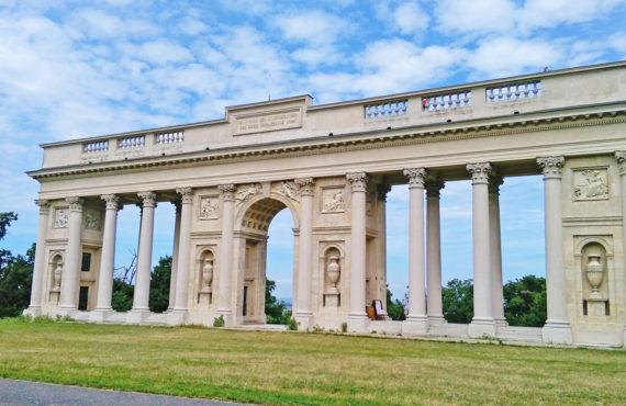 kolonada na Rajstne